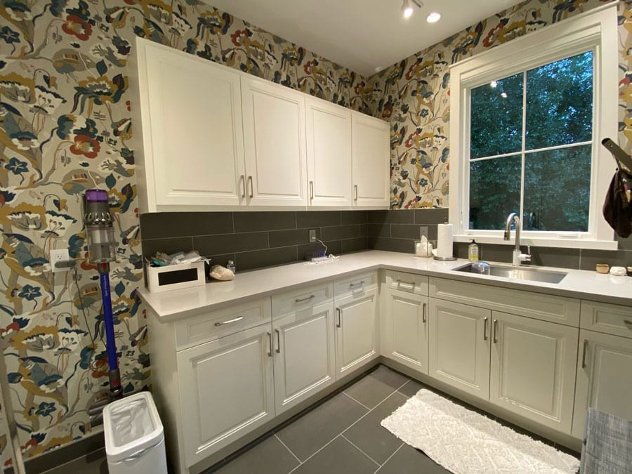 white kitchen after adding wall coverings in Friendswood, TX